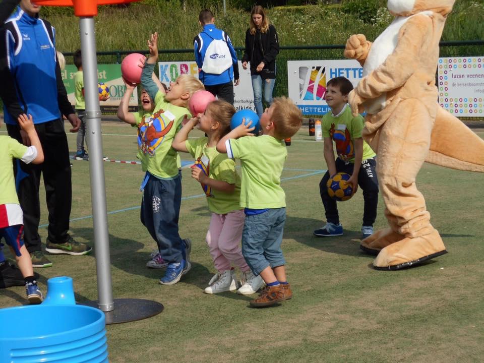 Persbericht: 600 Basisschoolkinderen Maken Kennis Met Sport En Spel Tijdens Giga Kangoeroedag Bij OEC